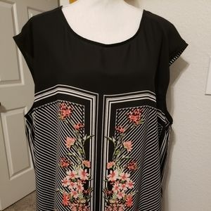 Plus Size Sleeveless Black with Floral Pattern Top